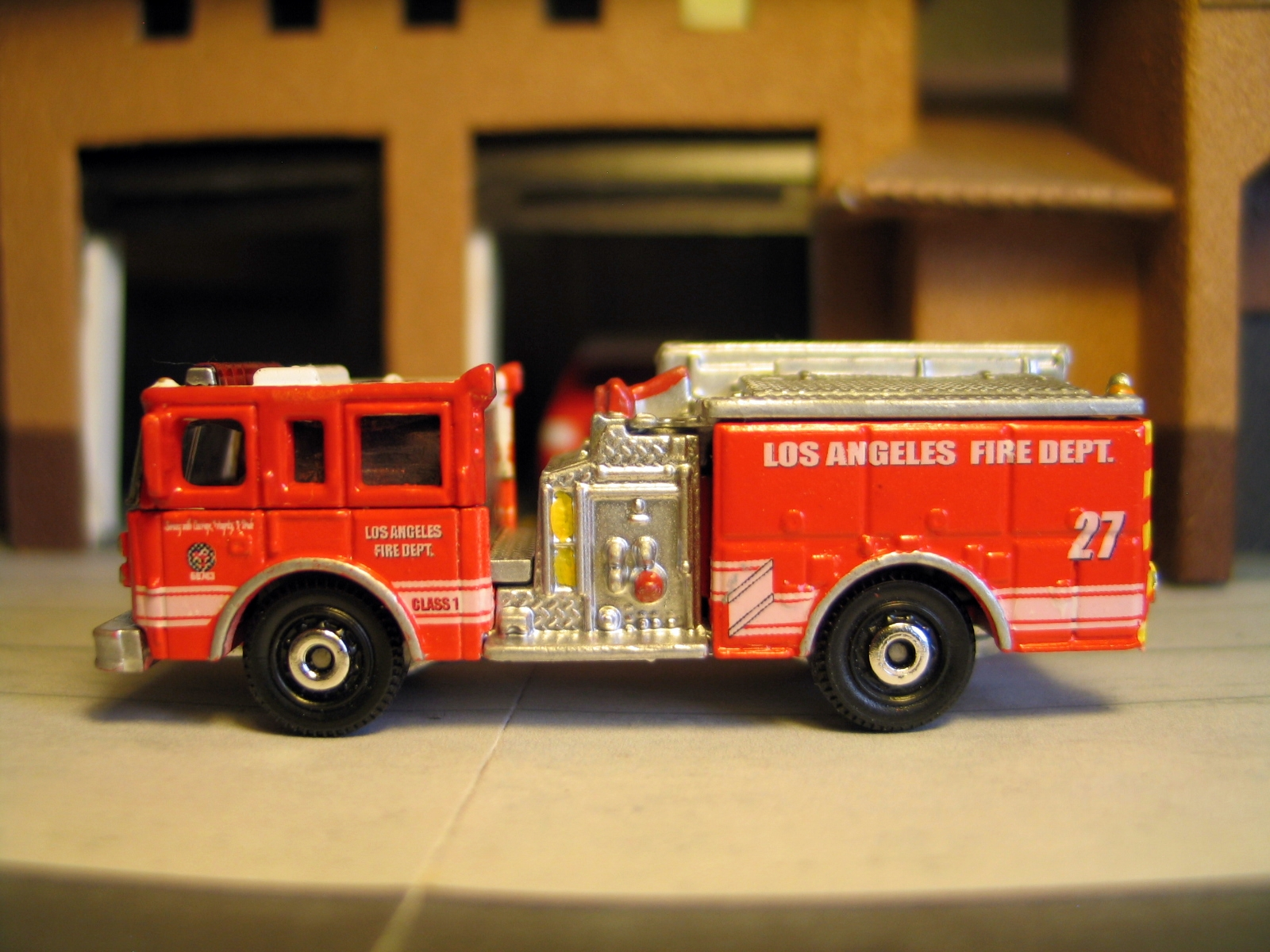 Matchbox Pierce Dash Los Angeles Fire Department 1:87 Scale